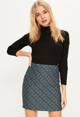 Niebieska mini spódniczka z wzorzystej tkaniny