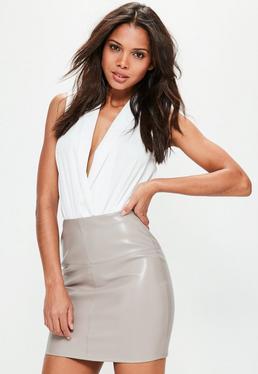 Mini-jupe grise en simili cuir