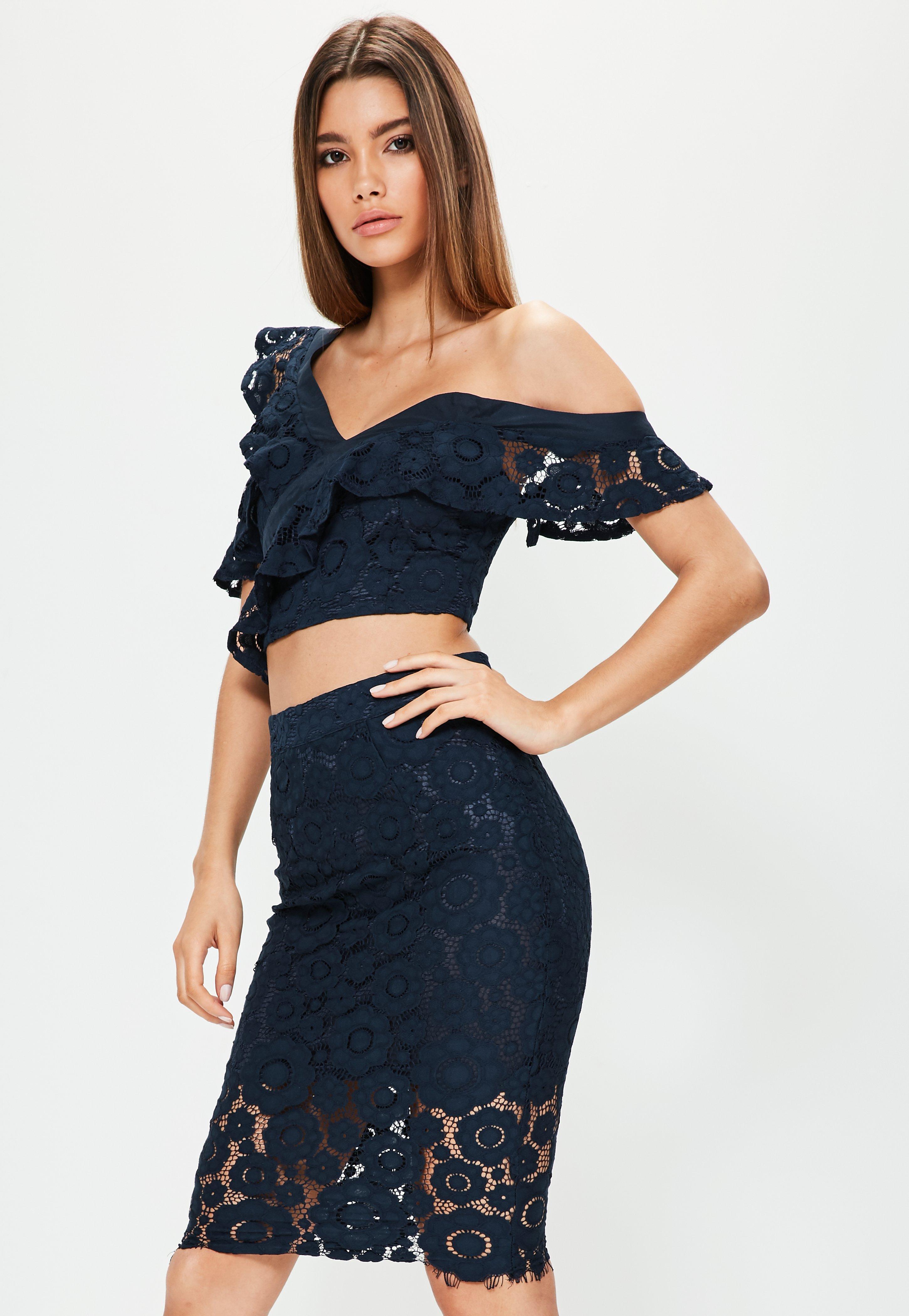 Black two-piece cropped lace bodycon dress