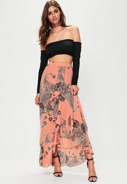 Falda larga con estampado paisley en chifón rosa