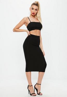 Falda larga ajustada en negro