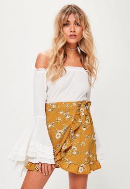 Żółta spódniczka mini w kwiatowe wzory