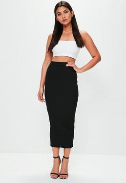 Falda de canalé en negro
