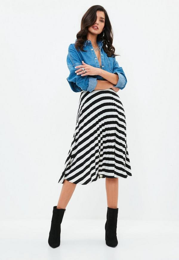 Skirts have been given a new season refresh with the new mini, maxi and midi hem lengths. A-line skirts offer a flattering fit for anytime elegance, while a pencil skirt will create a sexy silhouette to turn heads whenever and wherever you choose to!