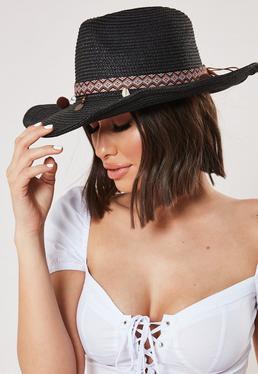 Черная отделка в западной соломенной шляпе