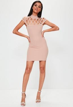 Vestido ajustado con aberturas en rosa