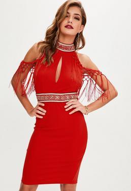 Czerwona sukienka mini ze zdobieniami