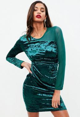 Vestido con transparencias de terciopelo en verde