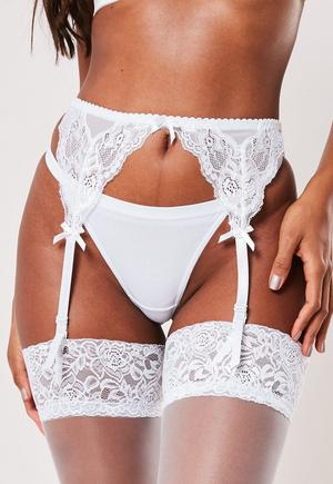 ee47cdf24941 White Lace Underwired Bra and Knickers Set | Missguided