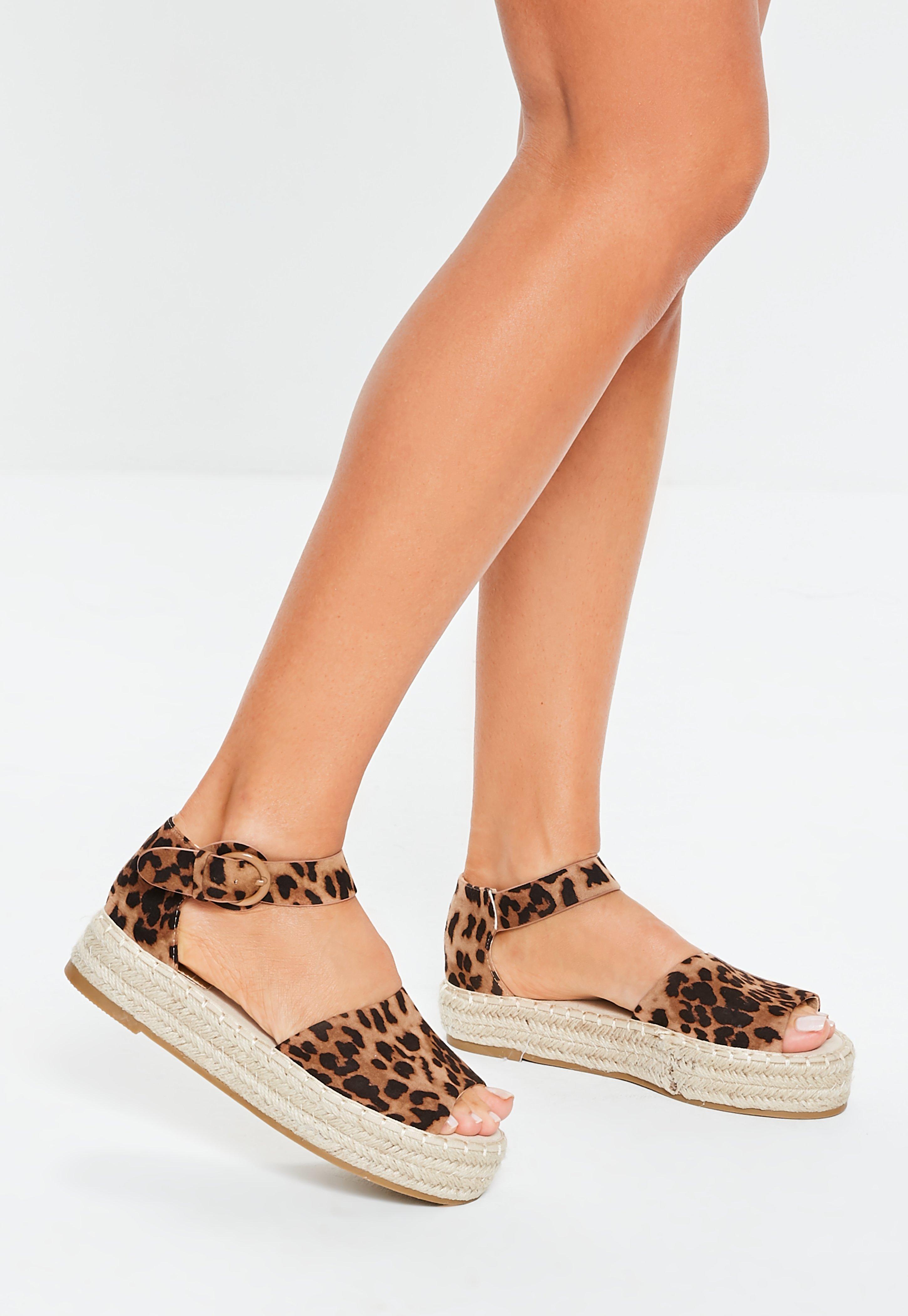 a906b9fb722 Women s Flat Sandals   Espadrilles - Missguided