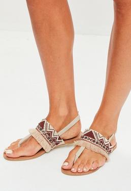 Sandales nudes à franges et perles