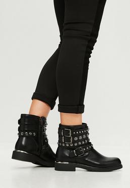 Czarne botki z ozdobnymi paskami