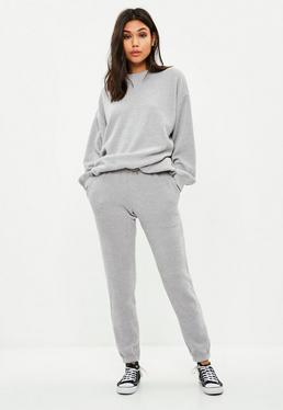 Szare prążkowane spodnie dresowe