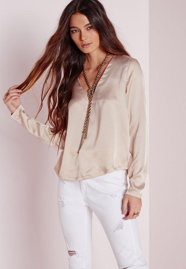 Blouses are, in a word, indispensable. A great blouse can make or break an outfit. And with such a huge variety of blouses available, there's truly no end to your choices when it comes to shopping for ladies' blouses.