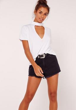 T-shirt blanc décolleté découpé