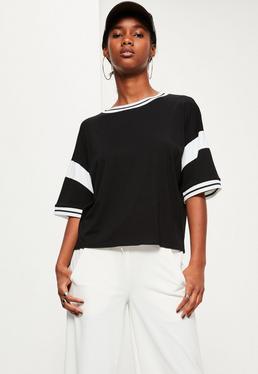 Czarny owersajzowy t-shirt z białymi detalami