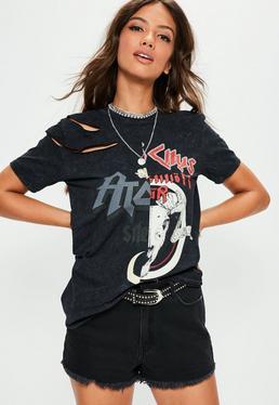 Czarny t-shirt z nadrukiem i wycięciami