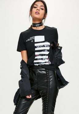 Czarny owersajzowy t-shirt z białym nadrukiem