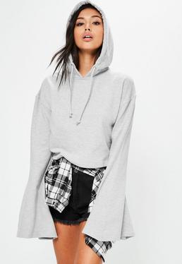 Kurzer Kapuzen-Crop-Pullover mit Statement Trompeten Ärmeln in Grau