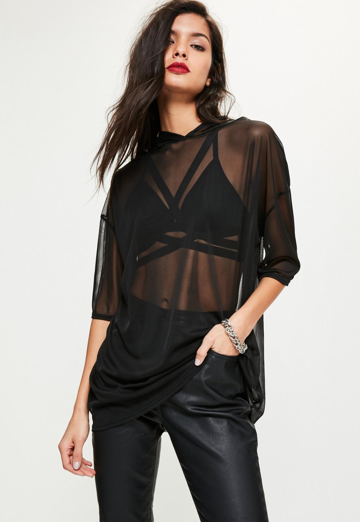 Robe noire haut transparent