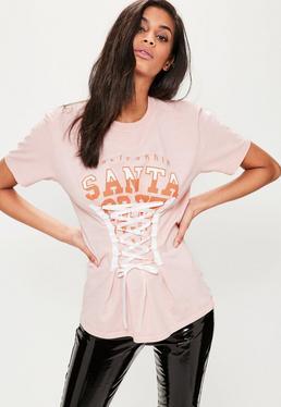 Różowy T-shirt z gorsetowym wiązaniem i nadrukiem Santa Cruz