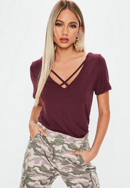 Camiseta con escote cruzado en v en morado
