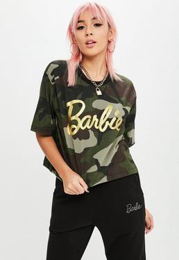 Barbie x Missguided Camiseta corta de estampado de camuflaje en verde