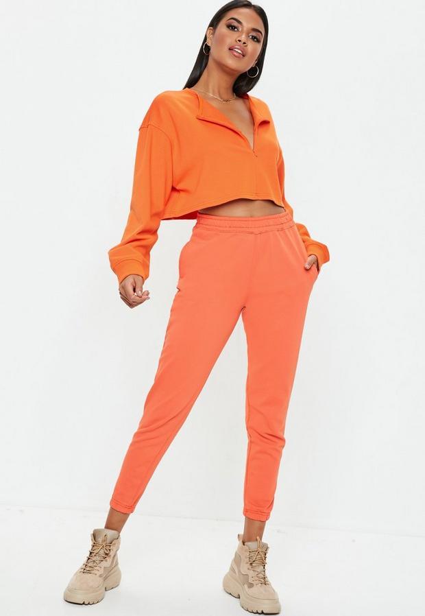 court orange détail zip caché