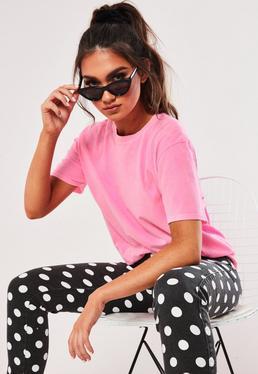 Неоновая розовая выстиранная футболка