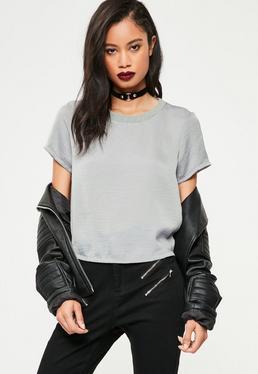 T-shirt gris en satin froissé