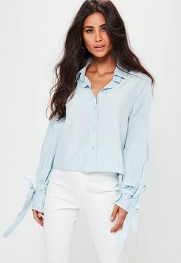 Kurz-Bluse mit Schleifen-Ärmeln in Pastell-Blau