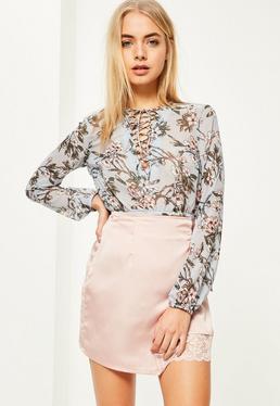 Blaue Lace-Up Crop Bluse mit Print