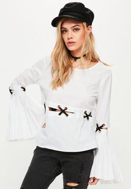 Pullover mit Kreuz Schnür-Leiste in Weiß