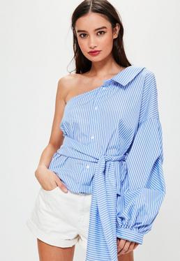 Niebieska koszula w paski z odkrytym ramieniem i wiązaniem z przodu
