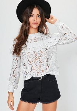 Rüschen-Bluse aus weißer Spitze