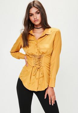 Camisa con corsé en amarillo