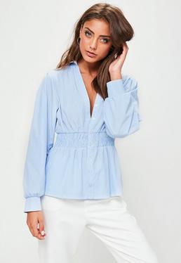 Camisa a rayas con fruncidos en azul