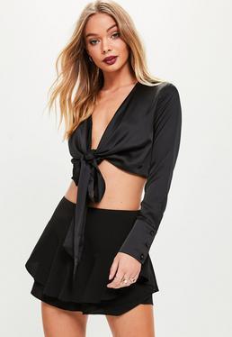 Blusa con anudado frontal en negro