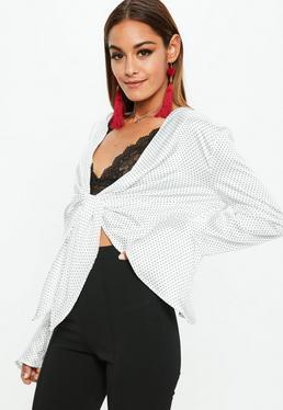 Biała wiązana bluzka w kropki