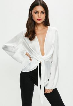 Biała satynowa drapowana bluzka