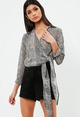 Blusa atada de chifón en gris