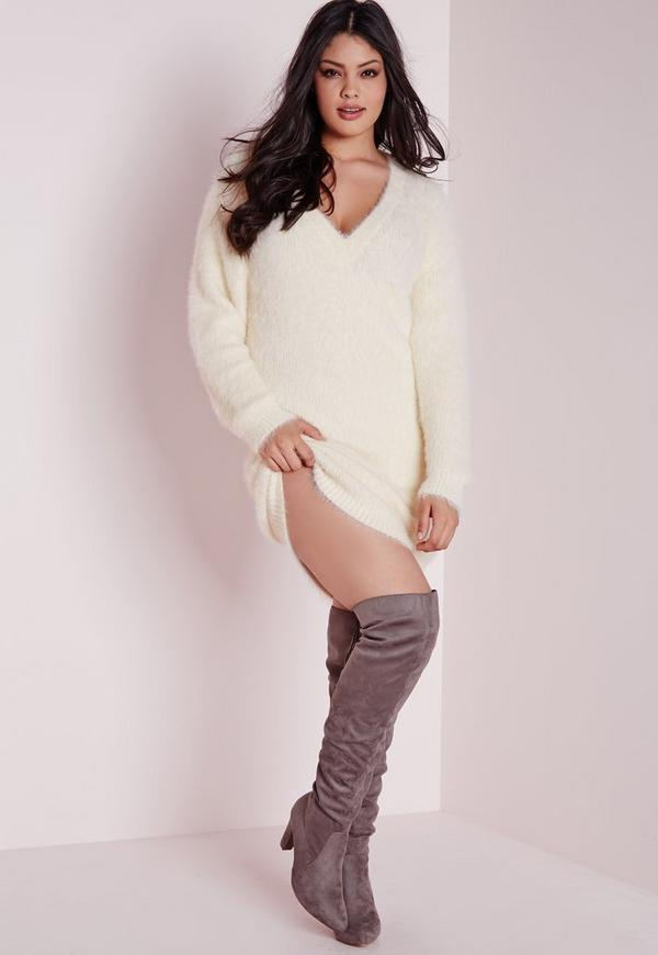 Plus Size Oversized Fluffy Sweater Cream | Missguided