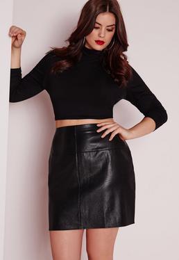 Mini-jupe grande taille en simili cuir noir