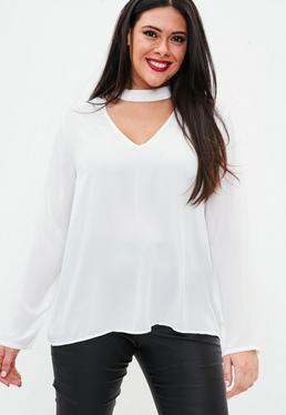 Plus-Size-Bluse mit Choker-Ausschnitt in Weiß