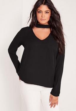Plus-Size-Bluse mit Choker-Ausschnitt in Schwarz