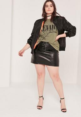 Mini-jupe noire en simili cuir grande taille à lacets