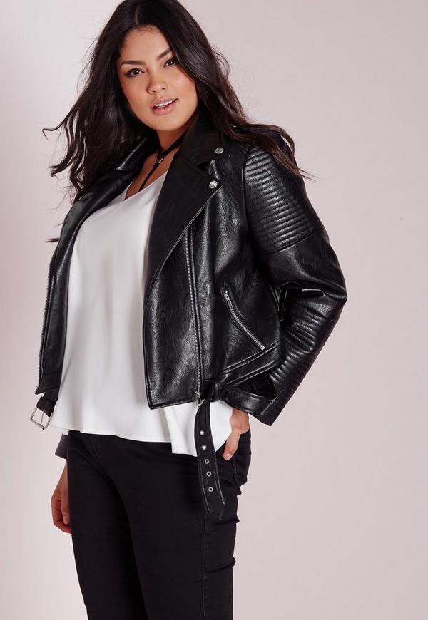 This women's plus size faux leather jacket features an asymmetrical zipper, front zipper pockets, and figure flattering seams. Lined.