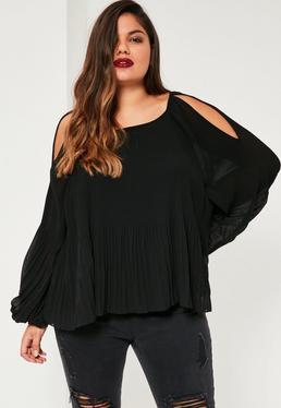 Czarny plisowany top z wyciętymi ramionami Plus Size