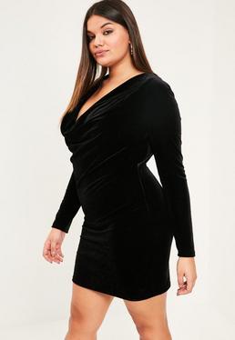 Czarna welurowa sukienka z marszczonym dekoltem Plus Size