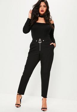 Czarne spodnie cygaretki z zamkiem i ozdobnym paskiem z kółkiem z przodu Plus Size